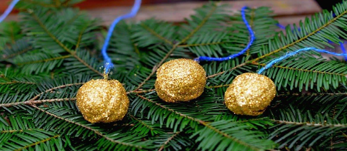 Advent Und Weihnachten Im Kindergarten.Goldene Advents Nüsse Kindergarten Ideen